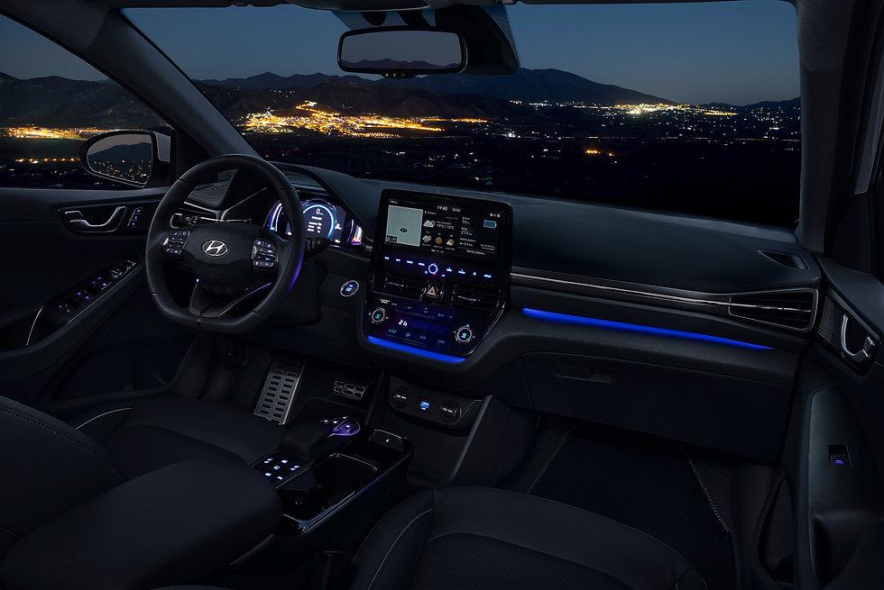 New Hyundai IONIQ Electric Interior (2).
