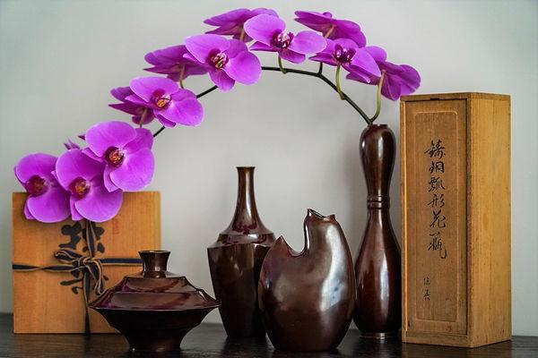 Ikebana: Japanse vazen: Nakajima Yasumi II, Kanamori Shugetsu en Sakai Kozan. Foto: RmariusB. Bob Scholte Art 2 website_edite