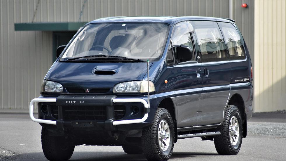 1994 Mitsubishi Delica SpaceGear Exceed