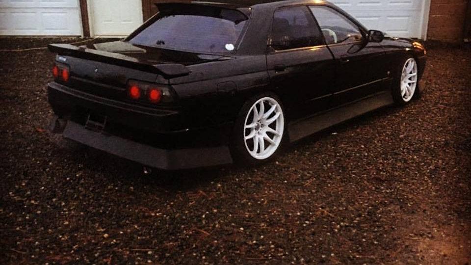 1989 Nissan Skyline GTS-4