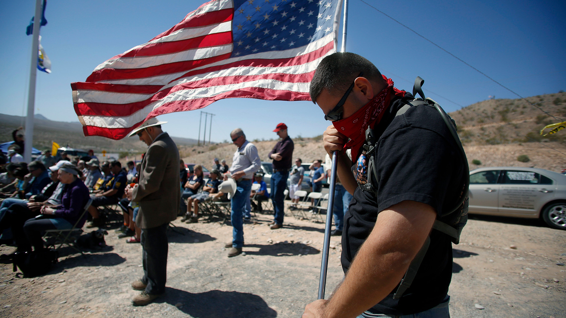Bundy supporters pray for peace and safety