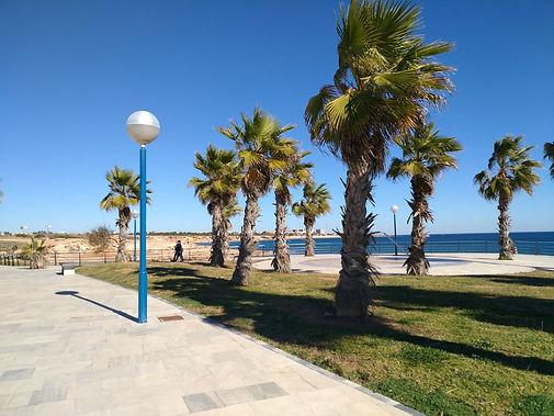 Een van de vele stranden aan de Costa Blanca nabij het appartement CasaMyna en torevieja en Alicante