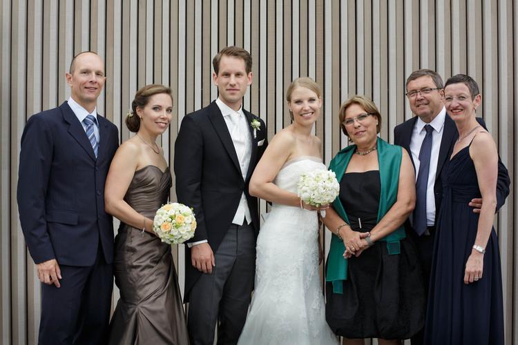 Familie Braut – Brautvater mit neuer Frau und Schwester mit Mann