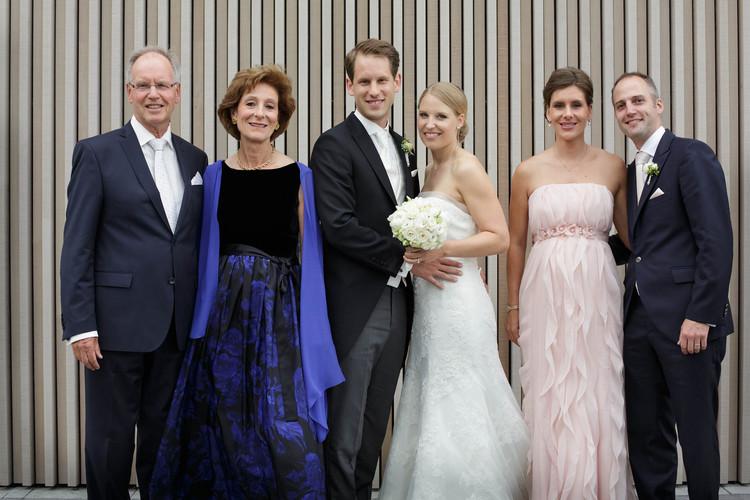 Familie Bräutigam mit Ehemann der Schwester