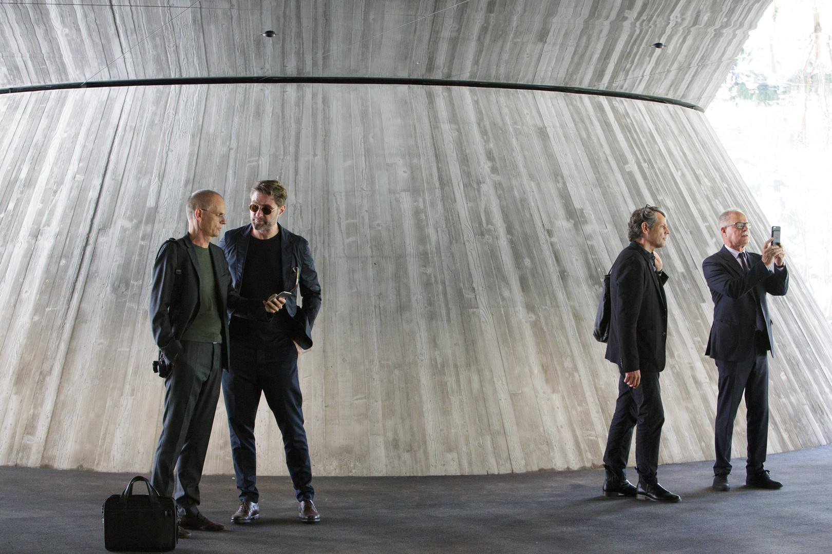 Herzog & de Meuron-Team am Hauptsitz der Helvetia, St.Gallen