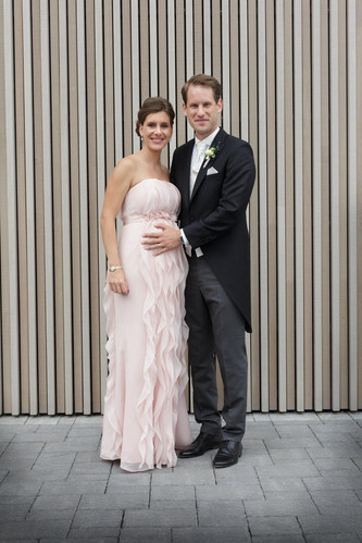 Braut und Trauzeugin (Schwester des Bräutigams)