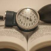 blood-pressure-monitor-3467666_1920.jpg