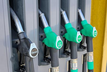 Koliko vas bo jutri stal liter goriva?