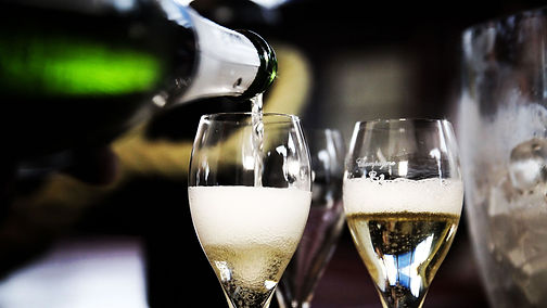 lm-champagne-service.jpg