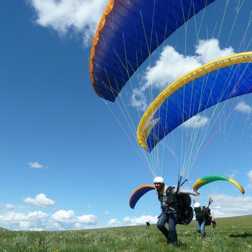 flying-puy-de-dome-ecole-parapente-nova-