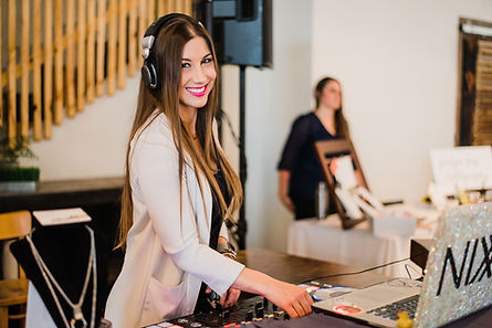 Austin DJ, DJ Nixx, Austin weddings, austin female DJ, DJ Nixx Entertainment, Austin DJs