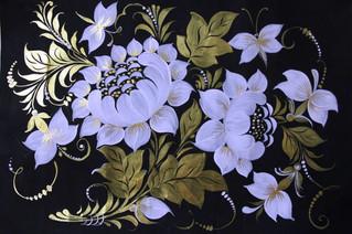 Белые розы в петербургской технике росписи