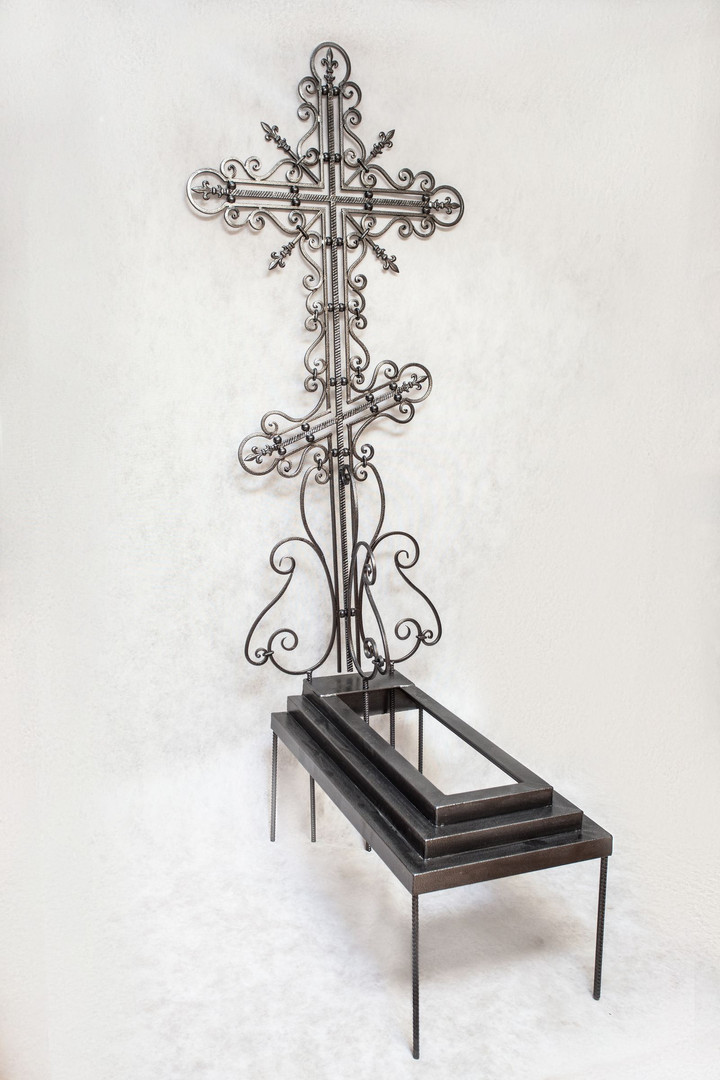 Крест кованый К-1 (2000 700 с рамкой) фо