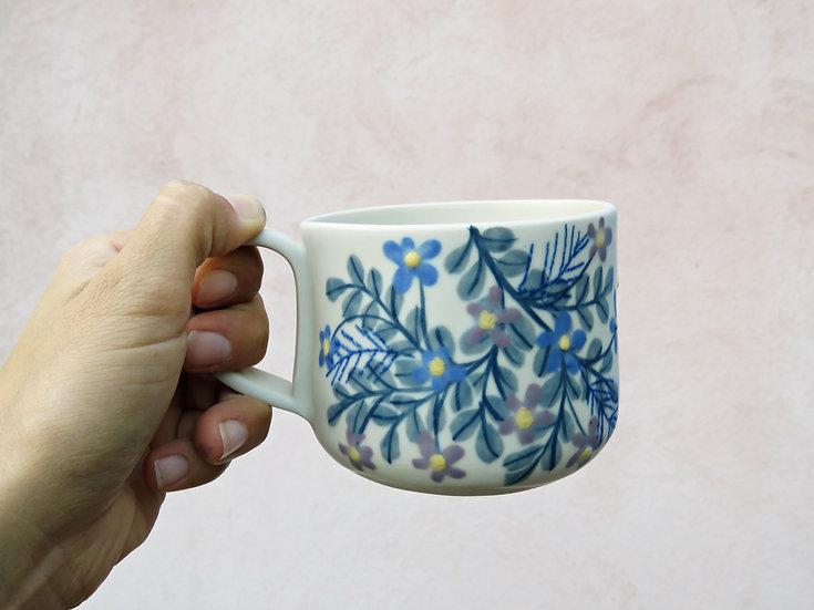 Tasse à thé fleurit