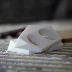 the geo jewel double ring // white