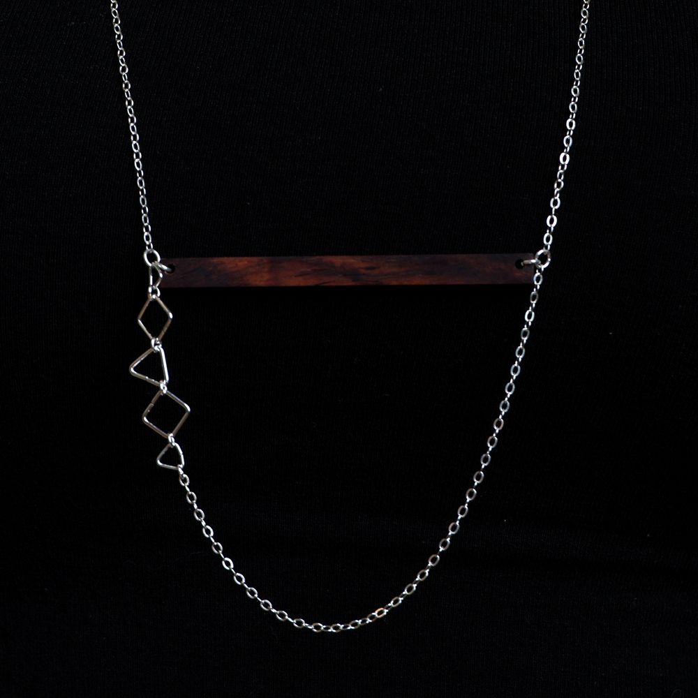 the illumination bar necklace