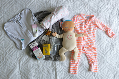 10 PRODUCTS TO SURVIVE NEWBORN LIFE.