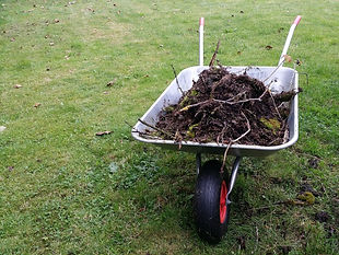 wheelbarrow-2789240_1280.jpg