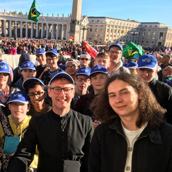 10 2017-10-25 09.16.30 HDR Papal Audience group best copy 2.jpg