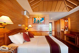 Royal_Island_Beach Villa Interior 07.jpg