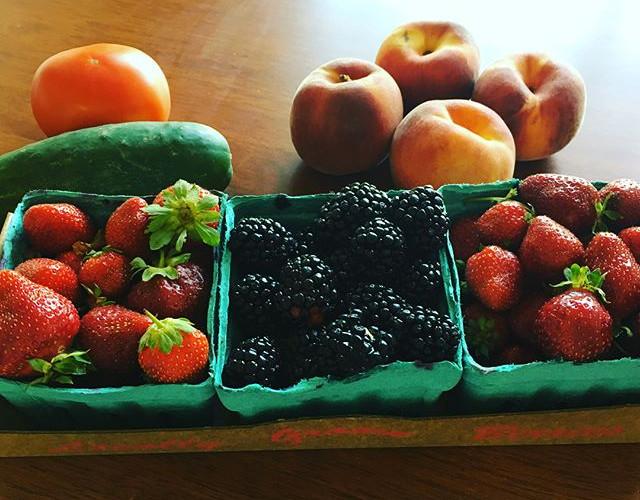 Organic fresh fruit for snack