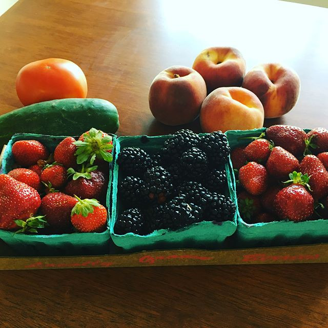 Organic fresh fruit for snack