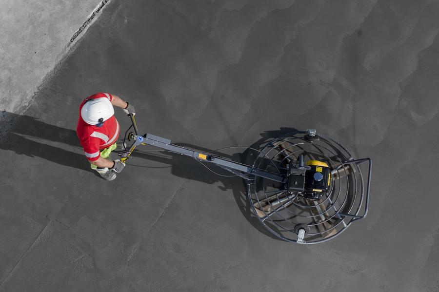 """Allanadora de Concreto 46"""" en renta en Monterrey"""