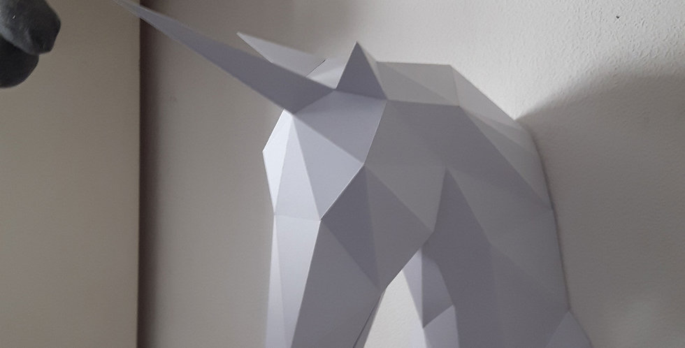 Papercraft Licorne geometrique en kit - Geometric Papercraft Unicorn Kit DIY