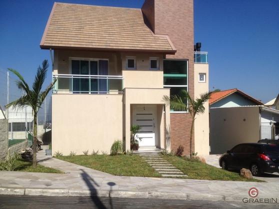 casa com janelas e portas em pvc.JPG
