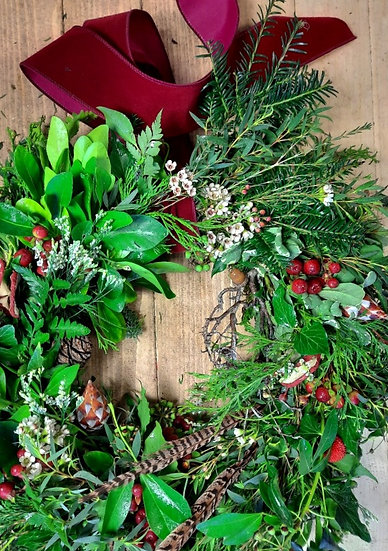Natural Festive Welcome Wreath