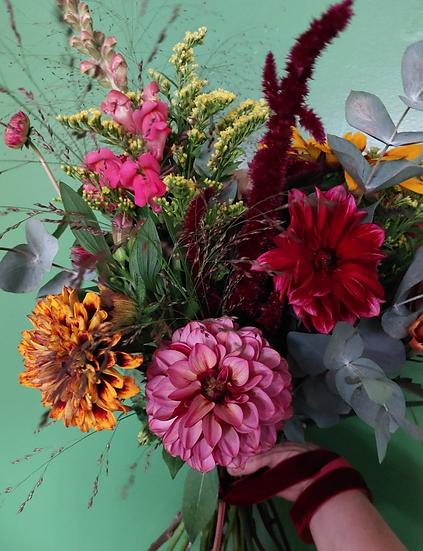 Hertha - Hand Tied Bouquet Wrap