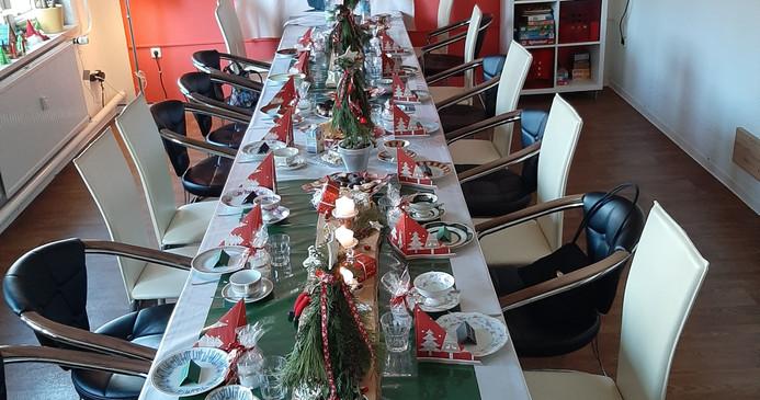 Weihnachtstafel der Weihnachtsfeier