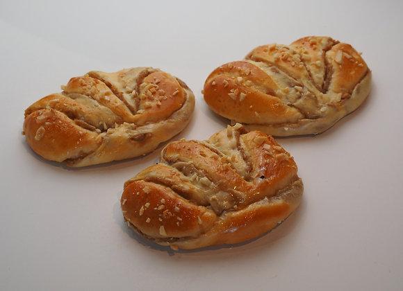 Taro Bun 芋頭麵包