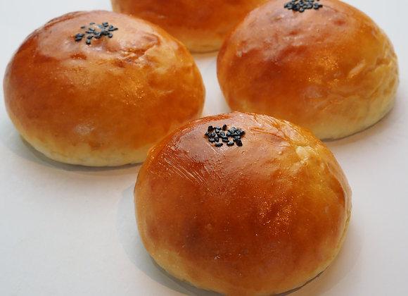 Red Bean Bun 紅豆麵包