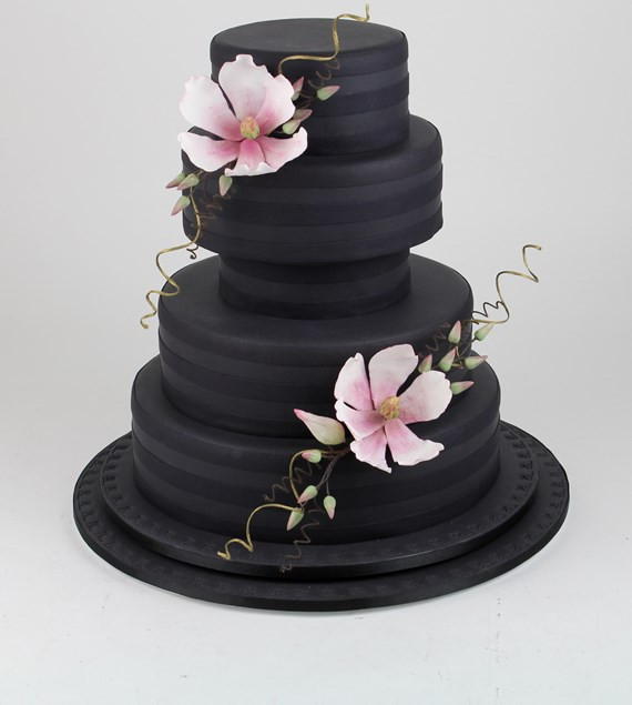 Wedding Cakes in Hertfordshire, Black Wedding Cakes, Modern Wedding Cakes