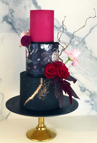Wedding Cakes in Cambridgeshire, Black Wedding Cakes, modern Wedding Cakes