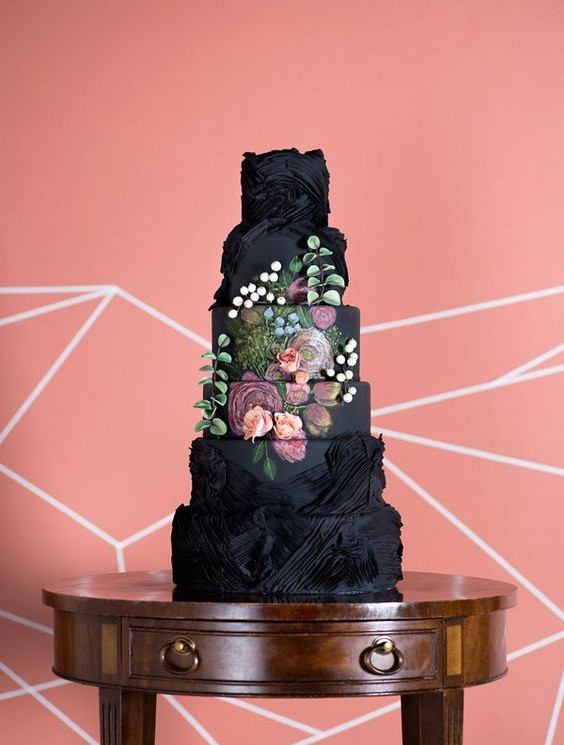 Wedding cakes in Cambridgeshire, Black wedding cakes