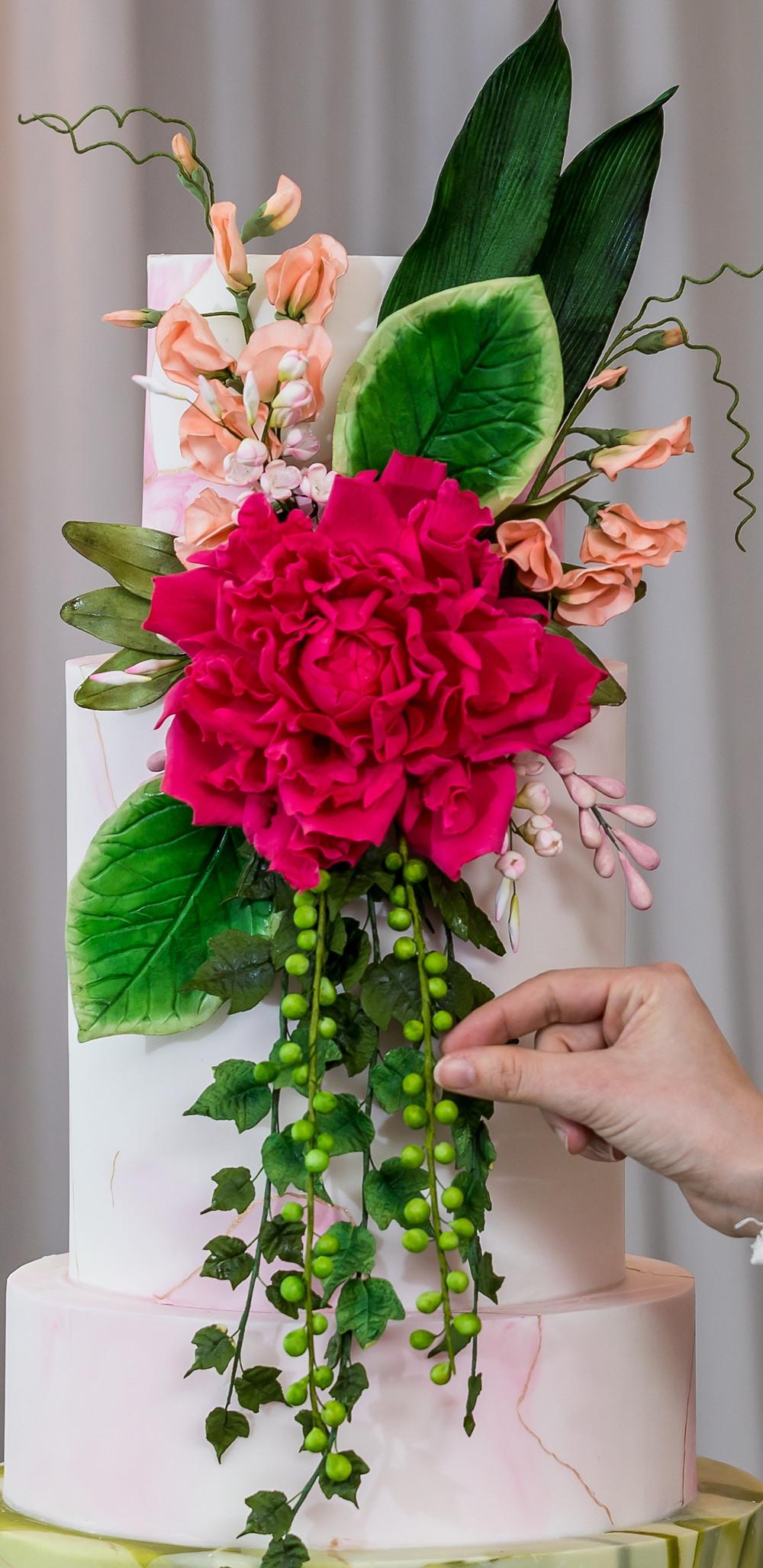 Edible Gumpaste Flowers and Edible Gumpaste Foliage