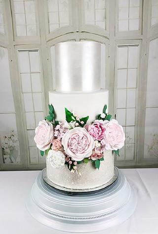 Pearl and Glitter Wedding Cake