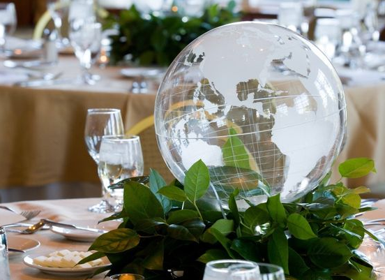 Event Décor: Take Over the World at Your Table