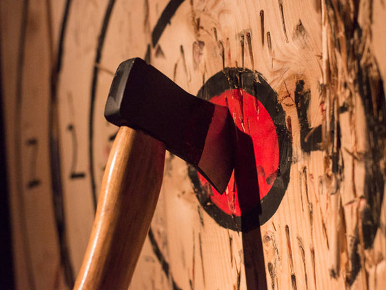 Team-Building: Throw Axes in New York City
