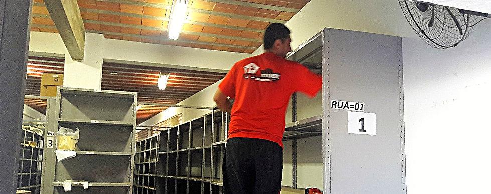 Mudanças Comerciais no Rio de Janeiro, RJ. Oferecendo materiais de qualidade e profissionais qualificados e competentes para ralizar todo serviço de mudança comercial e guarda moveis no RJ.