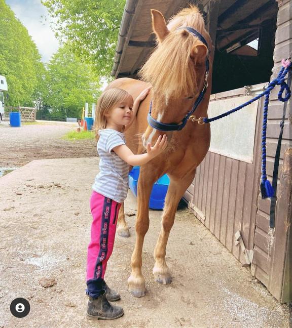 @equestrian_sisters3