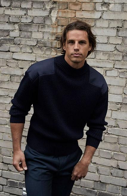Yann Sommer in einem schwarzen Pullover, goalkeeper, Yann Sommer in a black jersey, Torhüter, Fussballspieler, Fashion
