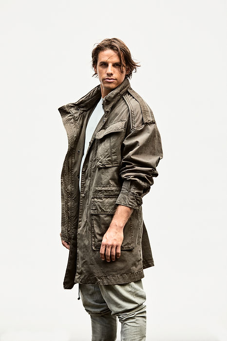 Yann Sommer in einer grünen Jacke, Yann Sommer in a green jacket, soccerplayer, Goalie, goalkeeper