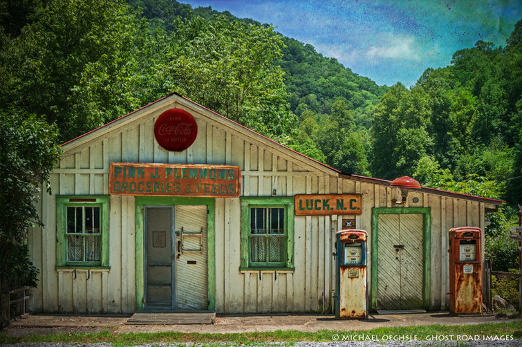 Pink Plemmons Groceries and Service, Luck, North Carolina