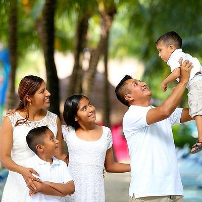 family-2432048__480.jpg