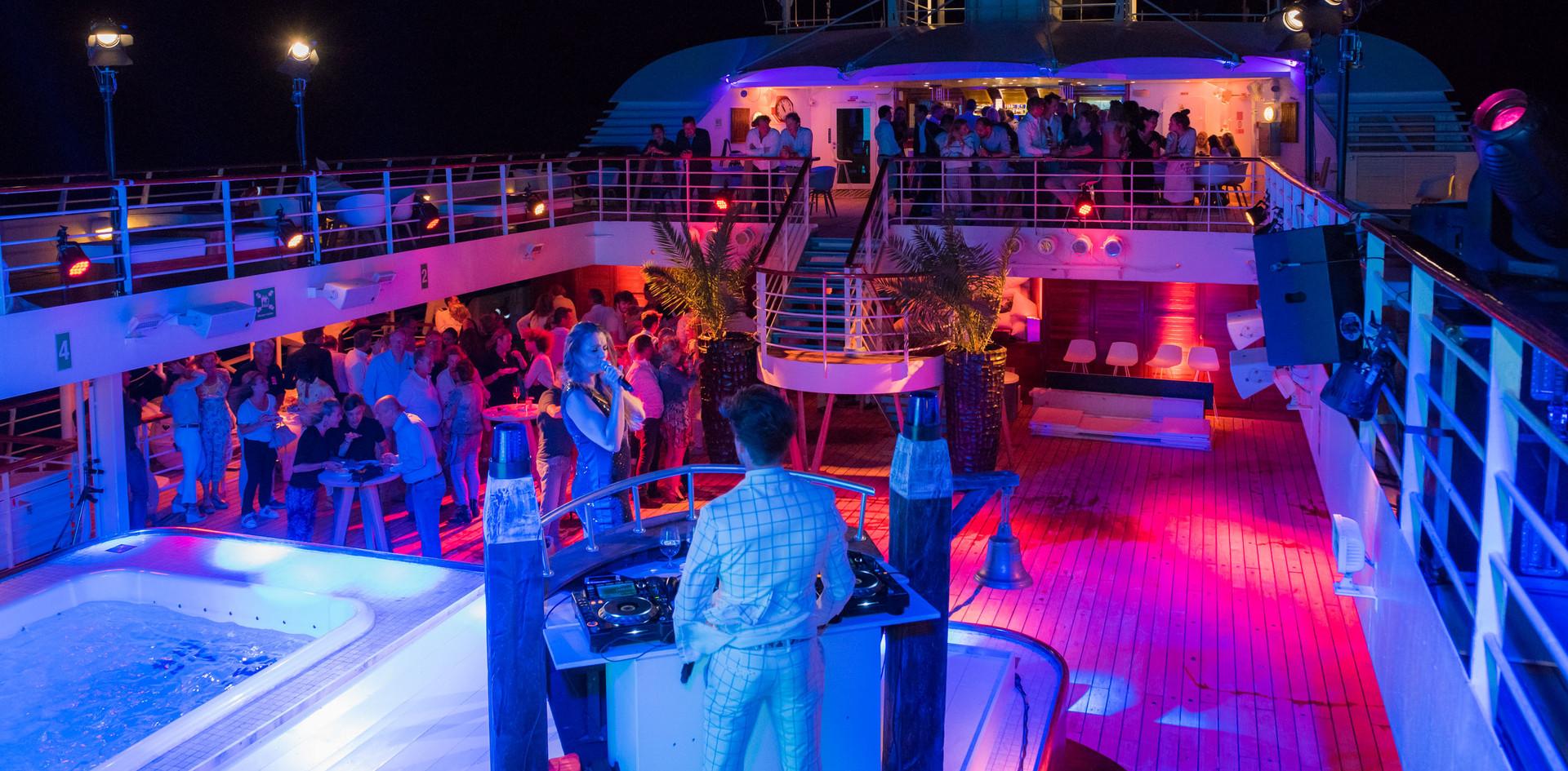 feest-organiseren-cruise-muziek.jpg