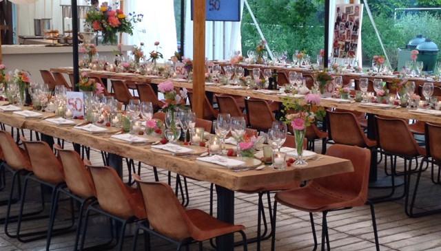 feest-organiseren-tuinfeest-tafels.JPG