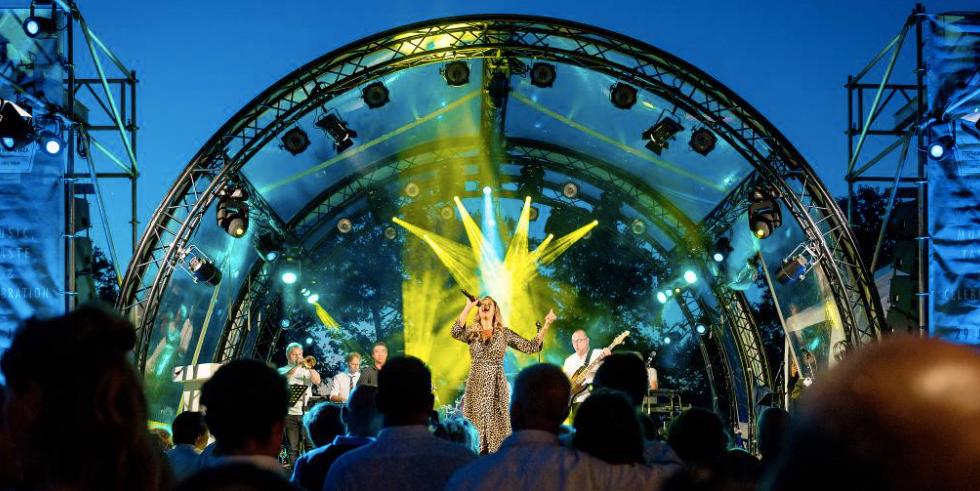 feest-organiseren-bruiloft-muziek.png